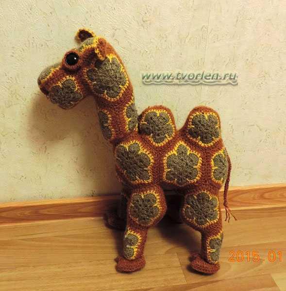верблюд вязаный (2)
