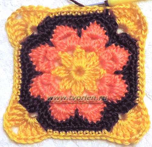 Большой квадратный мотив по типу африканского цветка (2)