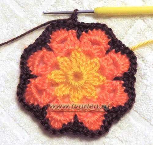 Большой квадратный мотив по типу африканского цветка (5)