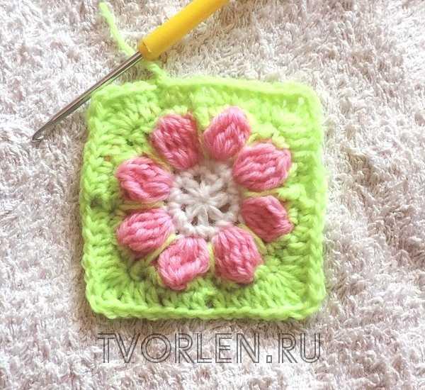 маленький квадратный мотив с цветком (7)