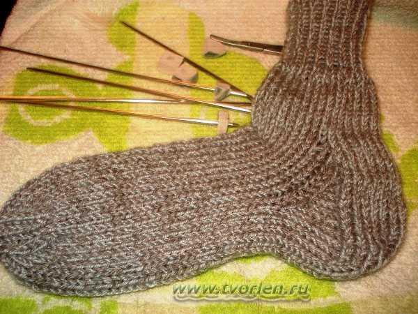 вяжем носки на пяти спицах (12)