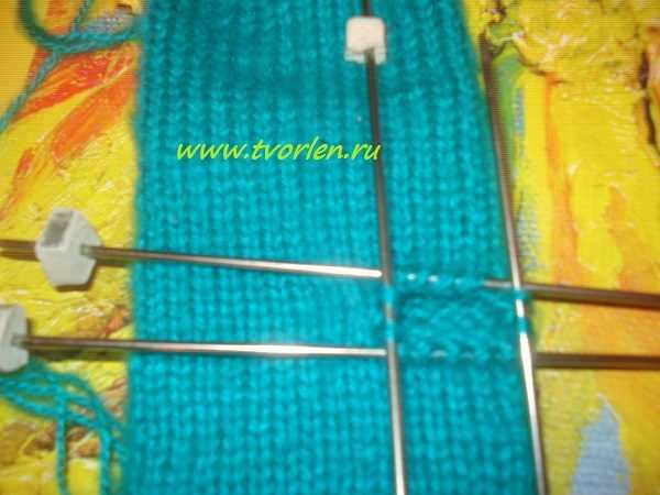 вяжем простые варежки спицами (6)