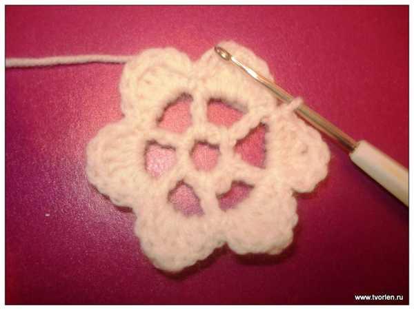 объемный цветок крючком (4)