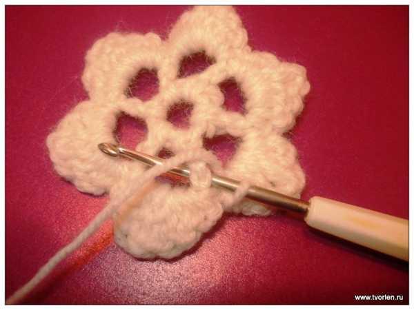 объемный цветок крючком (5)