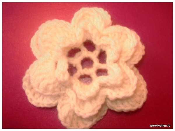 объемный цветок крючком (8)