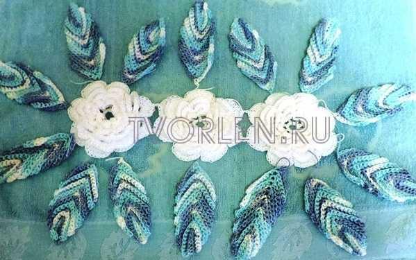 ovalnaya-salfetka-s-obyomnymi-cvetami-7