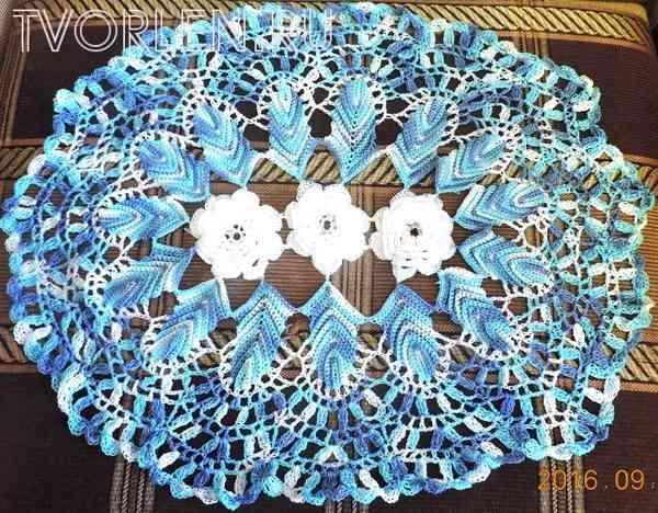 салфетка с объёмными цветами