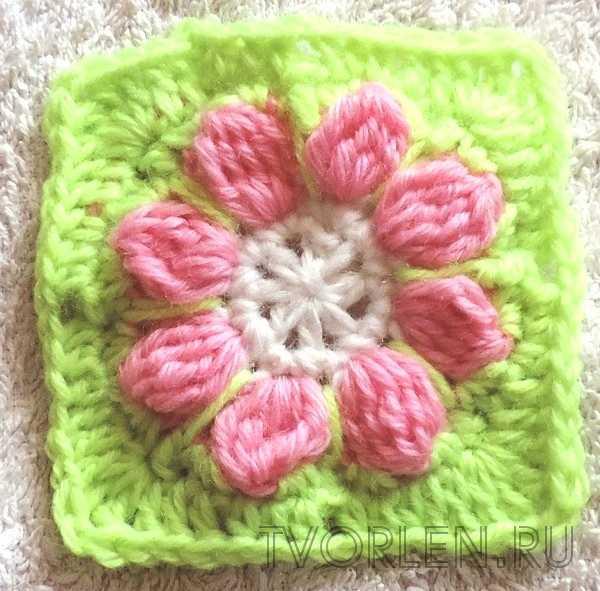 маленький квадратный мотив с цветком (6)