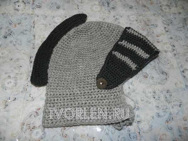 шапка шлем крючком с забралом и ирокезом