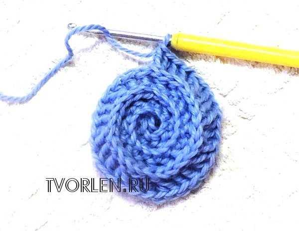 спиральный мотив крючком -четвёртый ряд