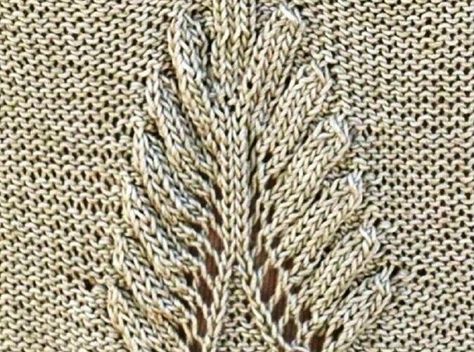 Узор объёмный лист спицами
